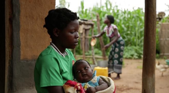 Malawi: A chief's fight against child marriages